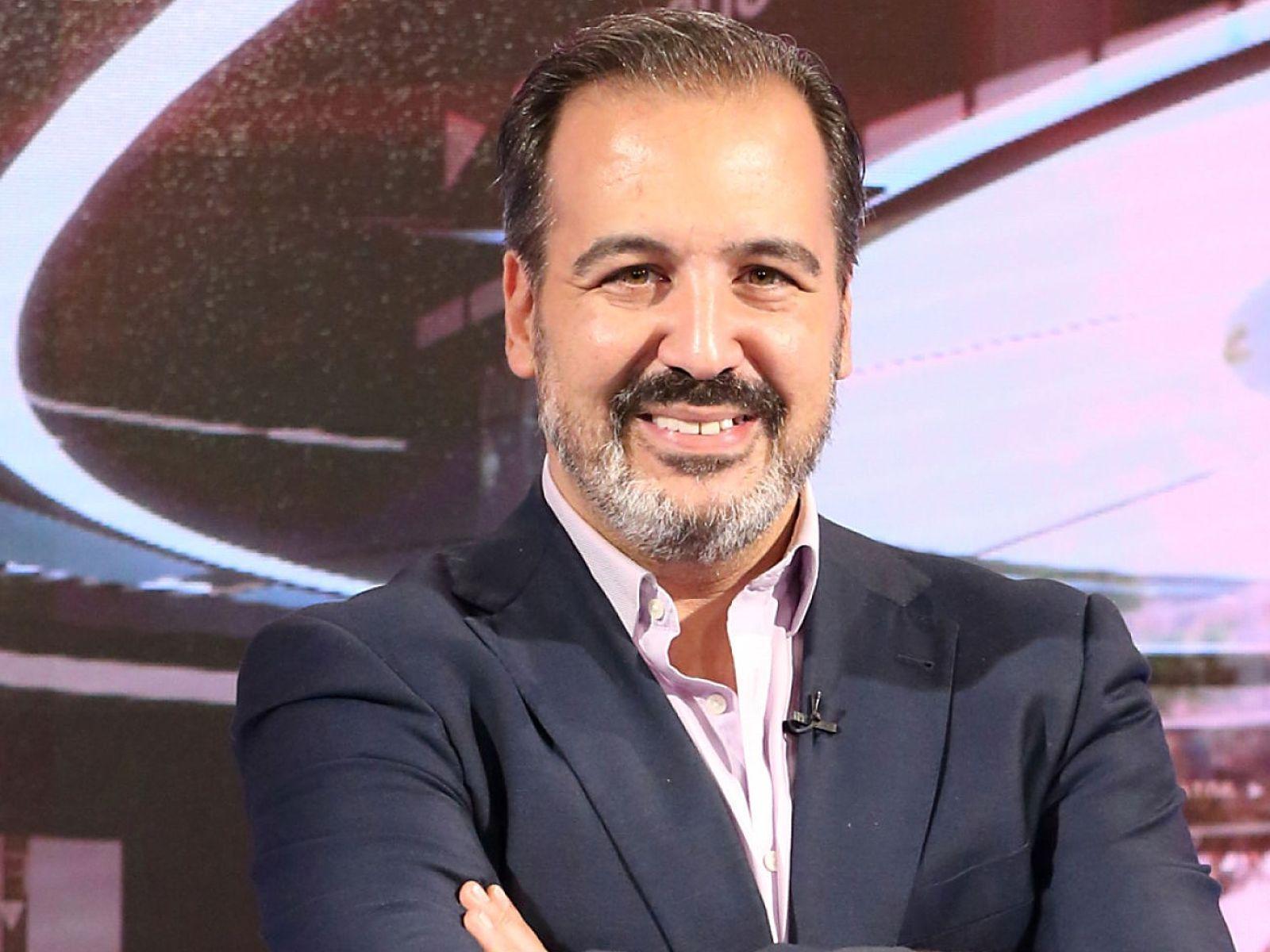 Programas de radio para empresas humanos en la oficina dirigido por Miguel Angel Perez Laguna