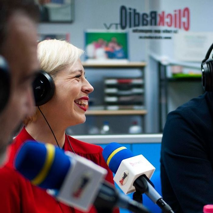 programa de radio solos en la madrugada lider en online