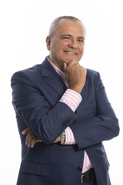 Juanma-Romero-Director-de-Emprende-TVE-ponente-en-Humanos-en-la-Oficina-Lima-2020.jpg