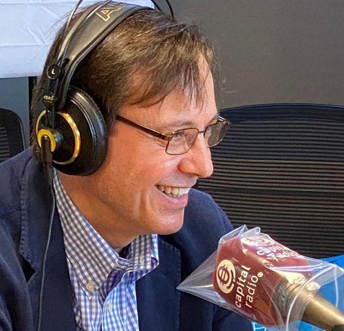 Programas de radio para empresas Humanos en la Oficina_opt